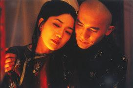 「フラワーズ・オブ・シャンハイ」① (C)1998 松竹株式会社